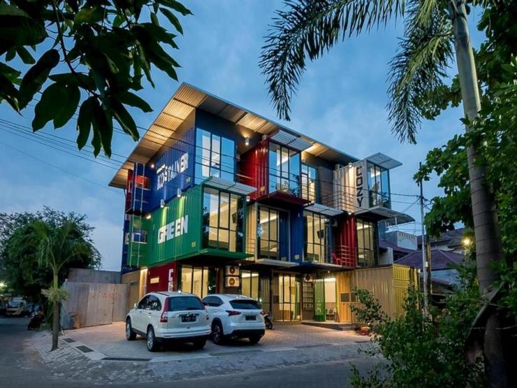 RedDoorz near Taman Rejomulyo Semarang - Property Building