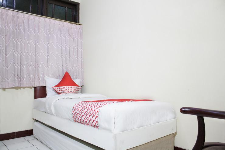 OYO 181 Wisma Bintang Jakarta - Bedroom