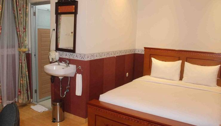 Imelda Hotel Padang - Superior Bed Room