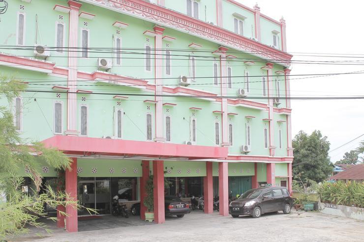 Airy Damai MT Haryono 5 Balikpapan - Hotel Front
