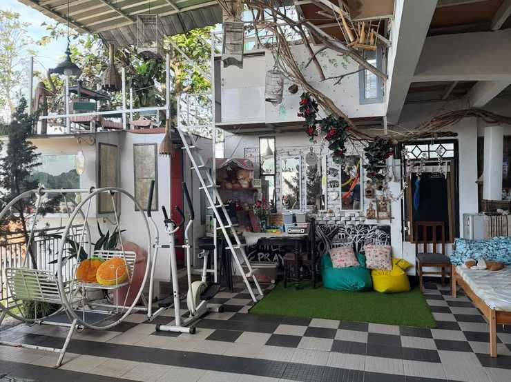 Imah Seuri Syariah Bandung - selfie area bermain anak dll