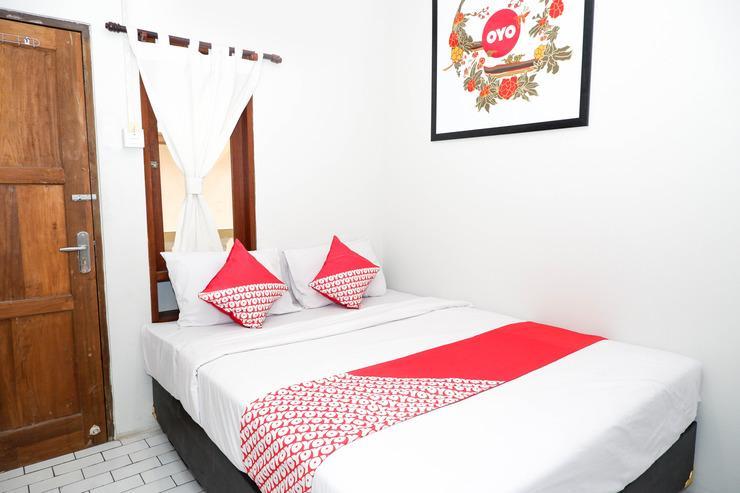 OYO 422 Achterhuis Residence Semarang - Bedroom