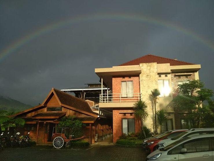 Bata Merah Guest House & Camping Ground Malang - exterior