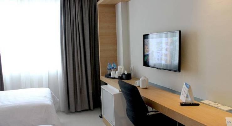 BATIQA Hotel and Apartments Karawang - Kamar tamu