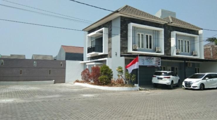 Juanda Homestay Surabaya - Facade