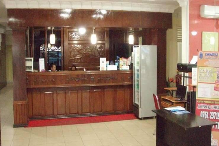 D Lira Syariah Hotel Pekanbaru - Resepsionis