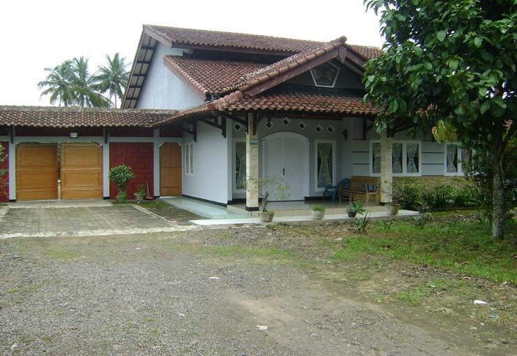 SL Guesthouse Cianjur - Exterior