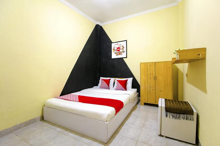 OYO 1058 Paramon Mancasan Yogyakarta - Bedroom