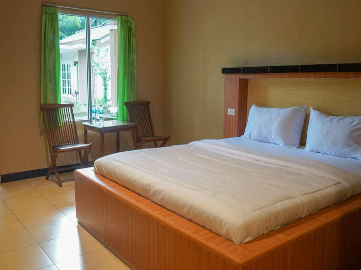 OYO 2029 Hotel Jatimas Bangka - Guest Room