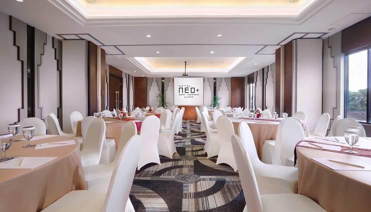 Neo+ Awana Yogyakarta - Meeting Room