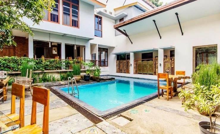 Lotus Art Garden Hotel Bandung - Kolam Renang