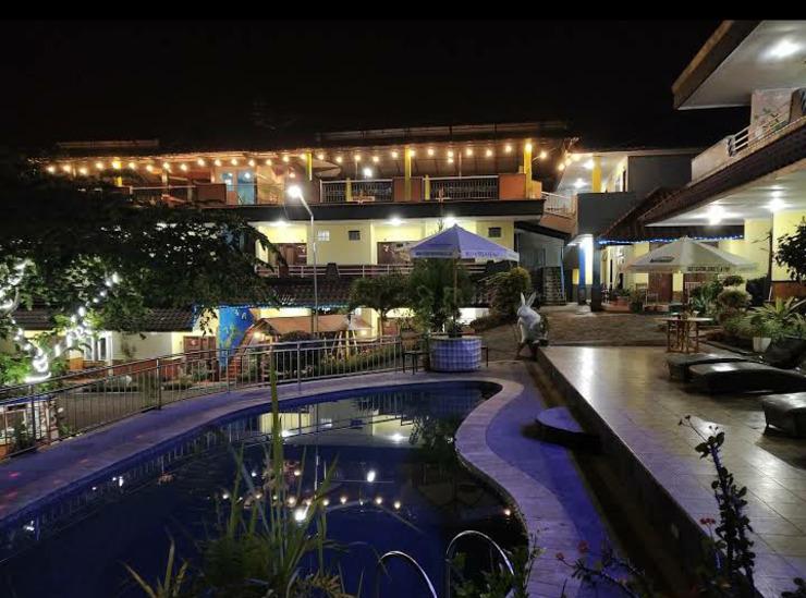 Villa Panderman Indah Malang - a