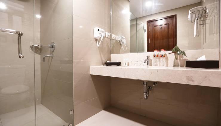 Grand Keisha Yogyakarta by Horison Yogyakarta - Bath Room