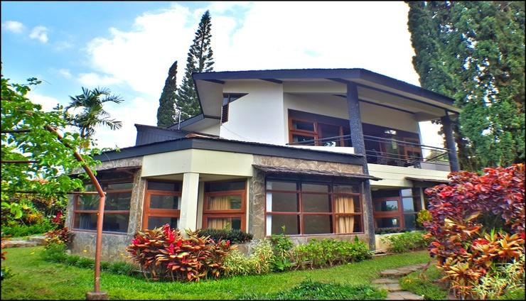 Villa Klub Bunga 4 Bedrooms near Jatim Park Malang - exterior