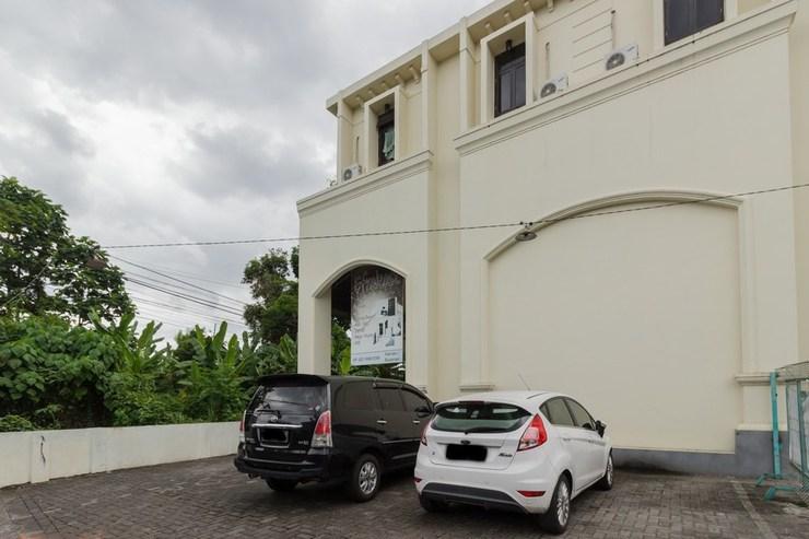 RedDoorz @ Malalayang 2 Manado Manado - Area Parkir
