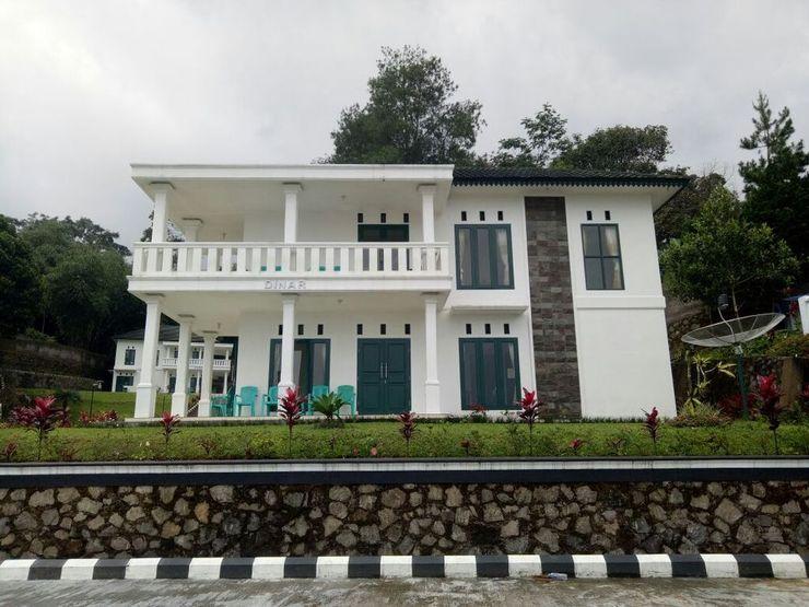 Villa Griya Wira Karya Puncak - Facade