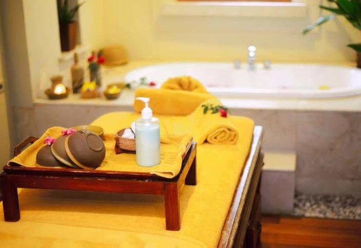 Amaris Hotel Gorontalo - bath tub