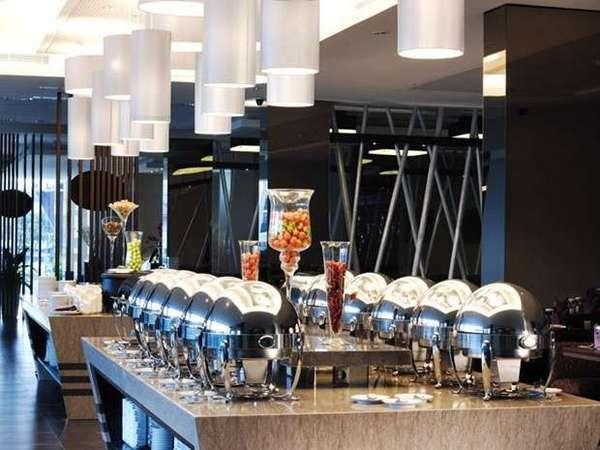 Aston Primera Pasteur - Ambassador Restaurant