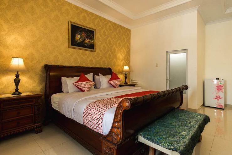 OYO 269 Grand Shaqilla Syariah Medan - Bedroom