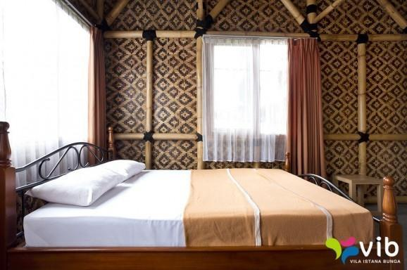 2 Bedroom Private Villa by Villa Istana Bunga Bandung - 2 Bedrooms