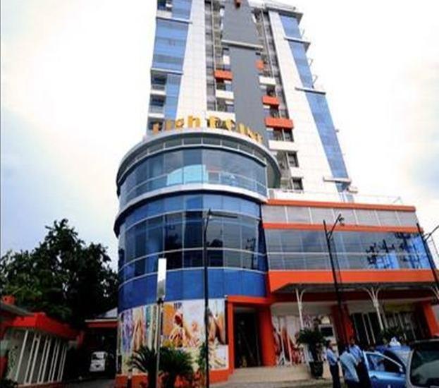High Point Surabaya - Tampilan Luar Hotel