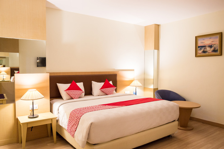 OYO 666 D' Grande Hotel Batam Batam - Guest Room