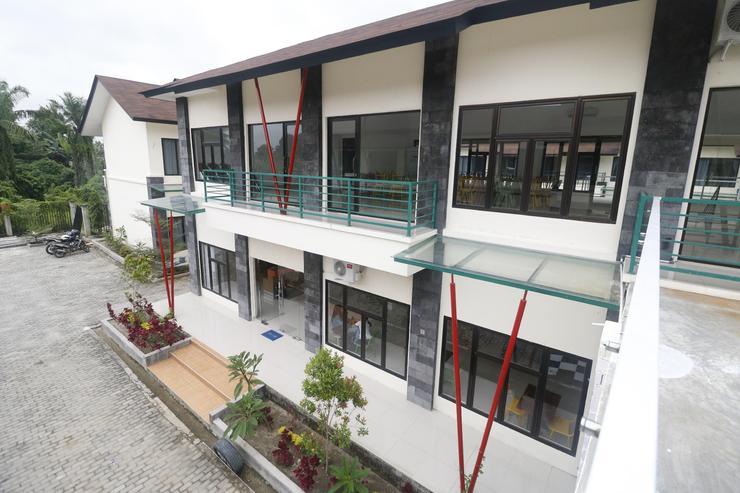 RedDoorz Plus near Kualanamu Airport Deli Serdang - exterior