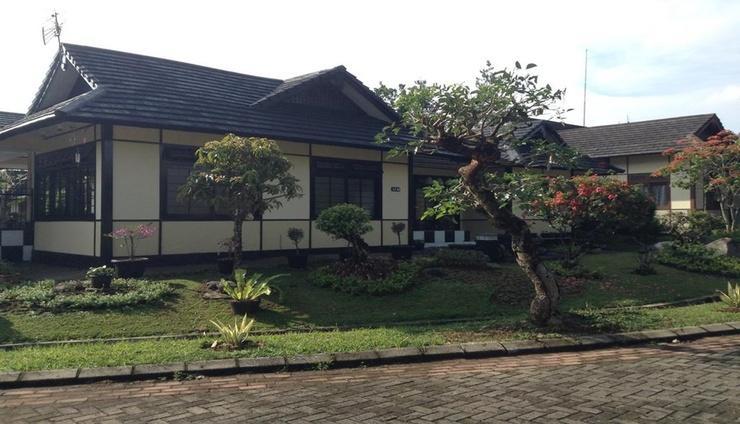 Designer Villa Osaka Kota Bunga Cianjur - Exterior