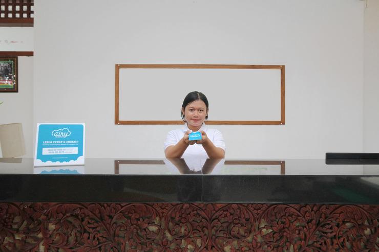 Airy Denpasar Utara Kepundung 62 Bali - Receptionist