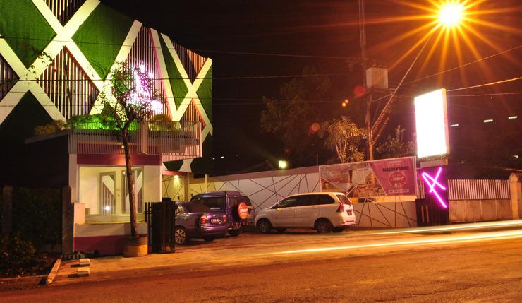 MGriya Guest House Banyumas - Hotel tampak depan