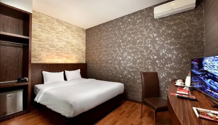 The Crew Hotel Kno Medan - Economy Class King Bed