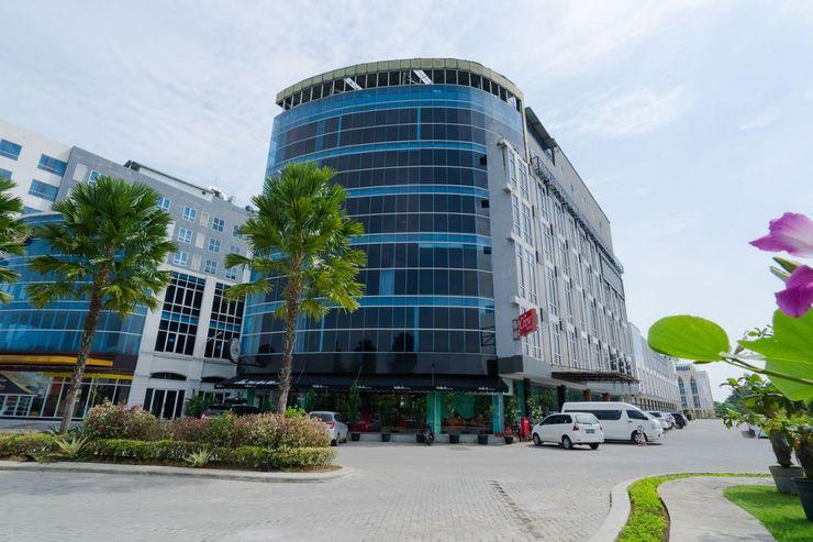 The Crew Hotel Kno Deli Serdang - Facade