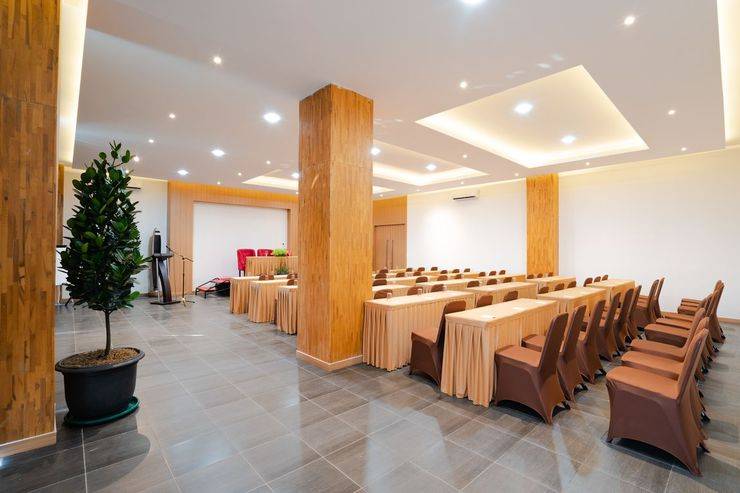 The Crew Hotel Kno Deli Serdang - Meeting Room
