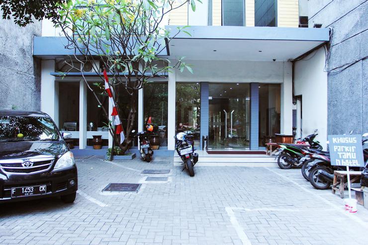 OYO 116 N Hotel Jakarta - Fasad