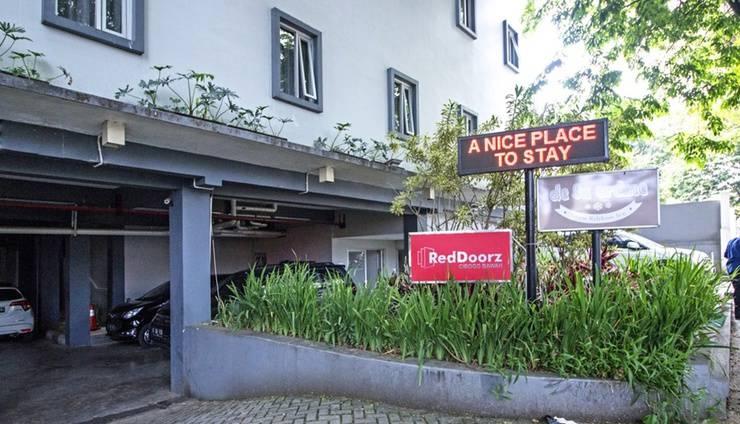 RedDoorz @Cibogo Bawah Bandung - Exterior