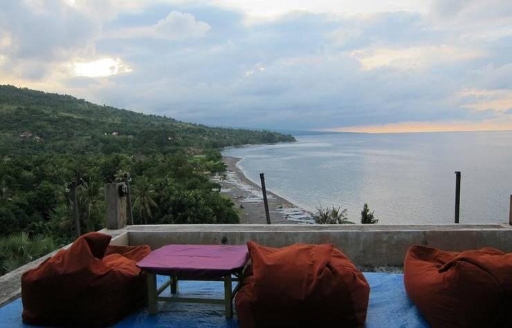 Waeni's Sunset View Bungalow Bali - Interior