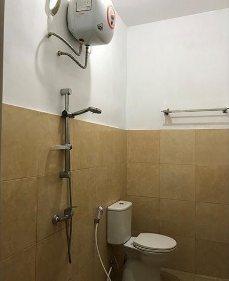 Homey Guest House Yogyakarta - 2 Bed Private Bathroom