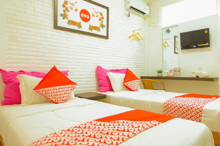 OYO 354 32 Guest House Malang - BEDROOM