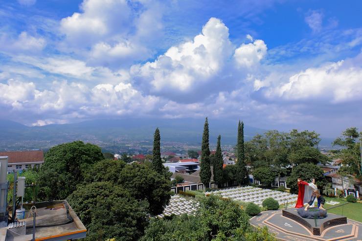 OYO 354 32 Guest House Malang - Facade