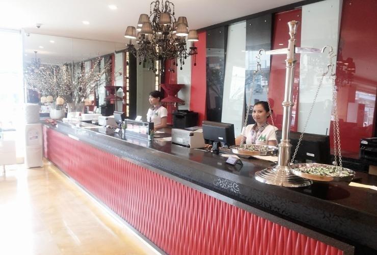 M Boutique Makassar Makassar - interior