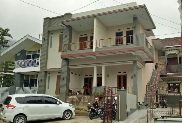 Villa Waskita Malang - Exterior