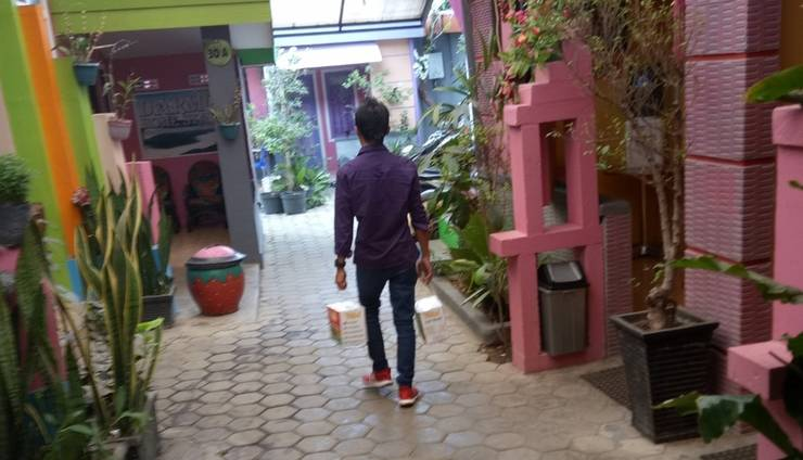 Darmo Homestay Malang - Exterior