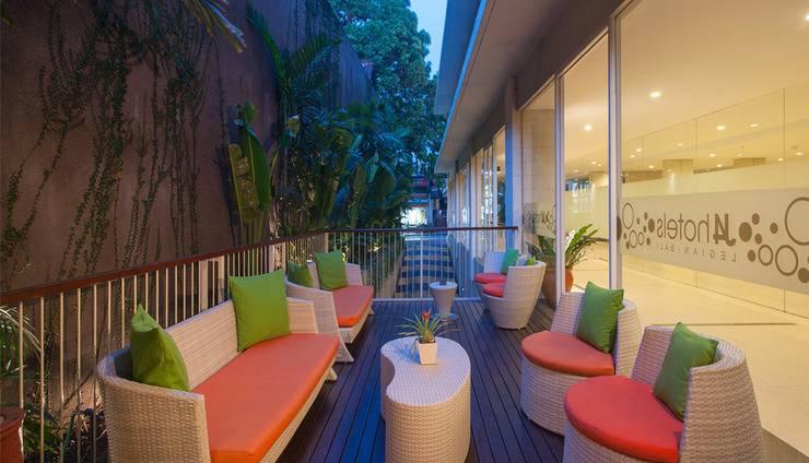 J4 Hotels Legian - Lounge