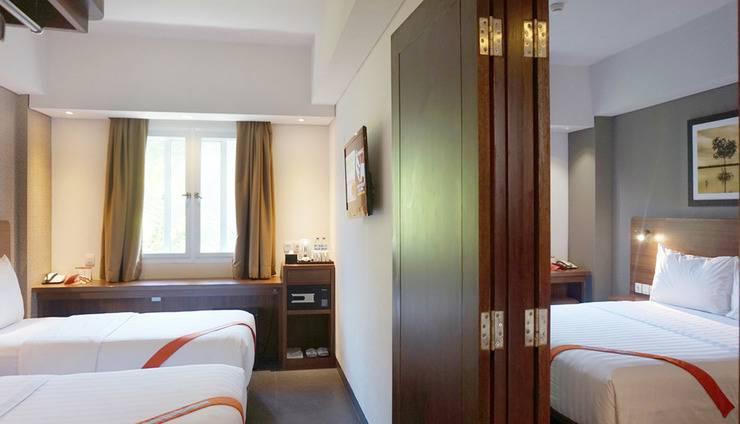 J4 Hotels Legian - 2 Adjoining Superior room