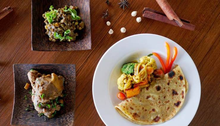 J4 Hotels Legian - Indian Food