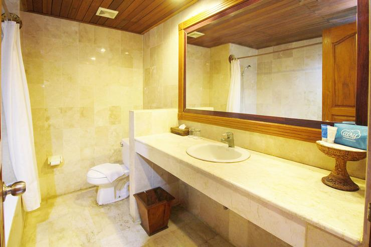 Airy Jimbaran Kuta Pantai Kedonganan Bali - Bathroom