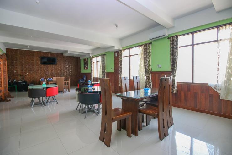 Airy Bandara Adi Soemarmo 3 Solo - Restaurant
