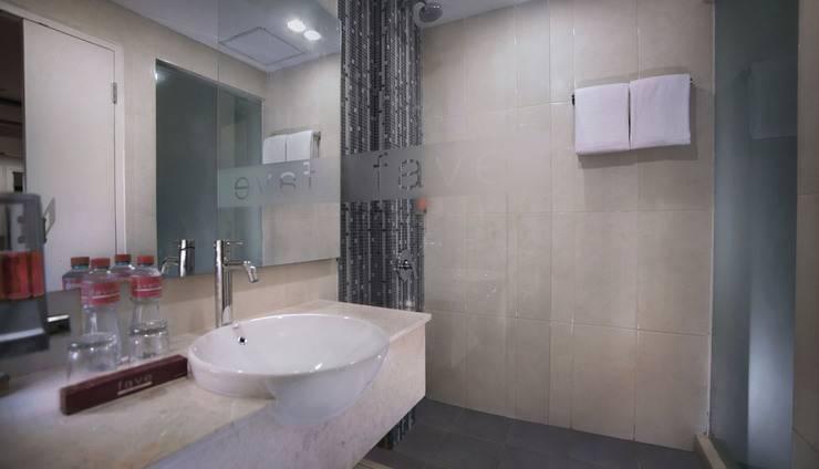 favehotel Graha Agung Surabaya - Kamar mandi