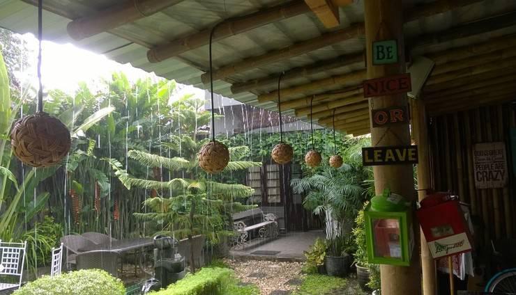 Venezia Garden Yogyakarta - Area kebun depan