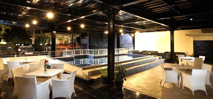 TOP Malioboro Hotel Yogyakarta - Swimming Pool